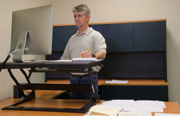 Ten Things to Consider When Buying Sit-Stand Desks